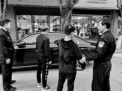 临街店铺过夜车频频被盗 警方打掉一盗窃团伙